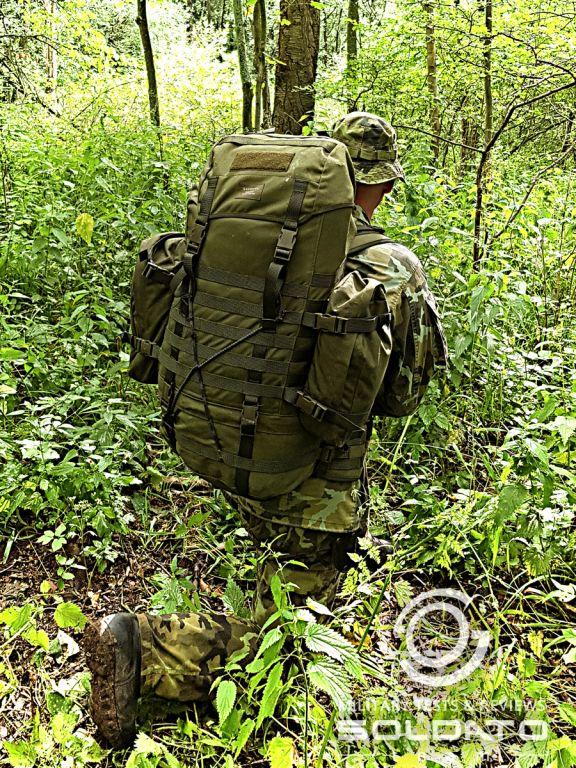 Vojenský batoh v reálném prostředí