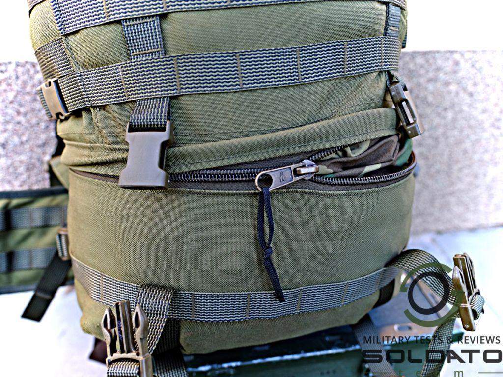 Zapínání batohu zipem
