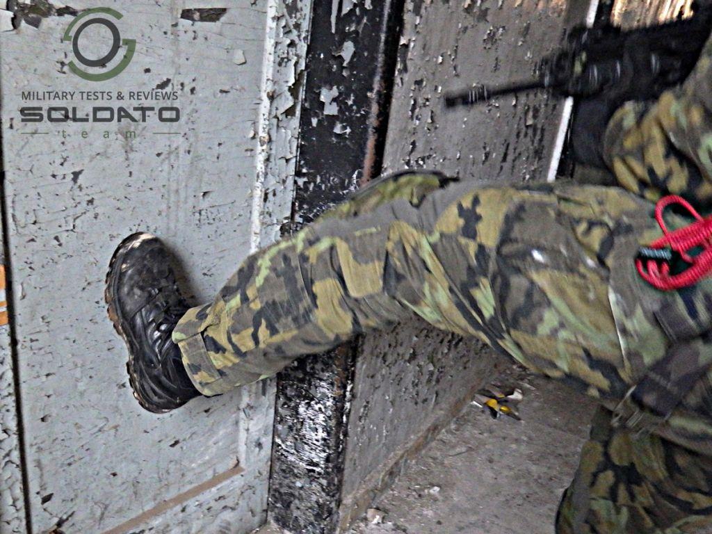 Vykopávání dveří CQB
