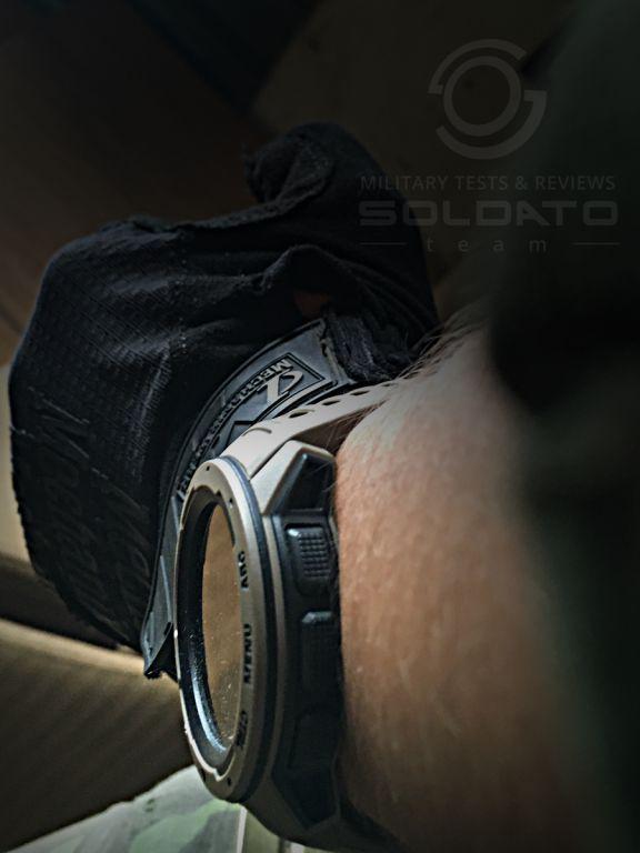 Sklo hodinek Garmin