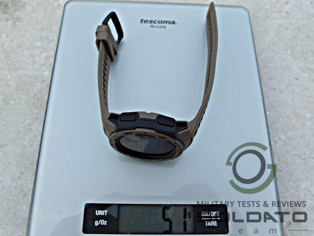 Kolik váží hodinky Garmin Instinct