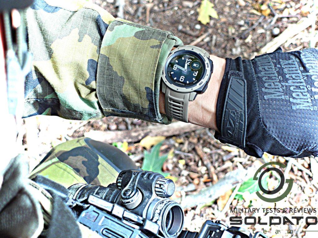 Analogový displej na digitálních hodinkách