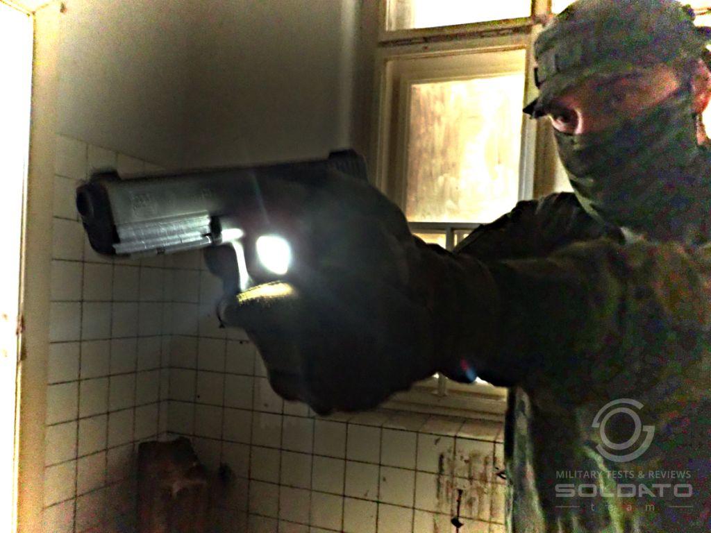 Svítící techniky s pistolí