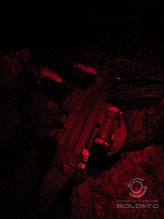 4elovka s červeným světlem