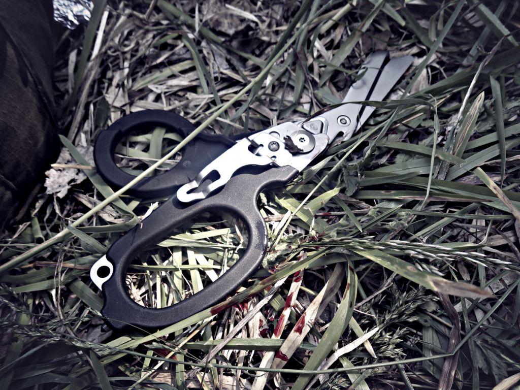 Záchranářské nůžky test